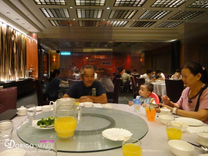 中和 福朋紅餐廳